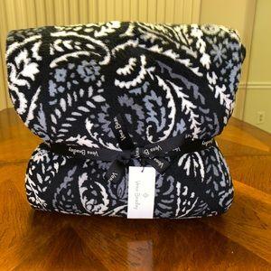 NWT Vera Bradley Throw Blanket in Paisley Noir